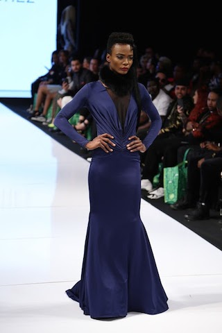 This was my personal favorite look of the night. Old Hollywood with a modern twist gets me all the time.
