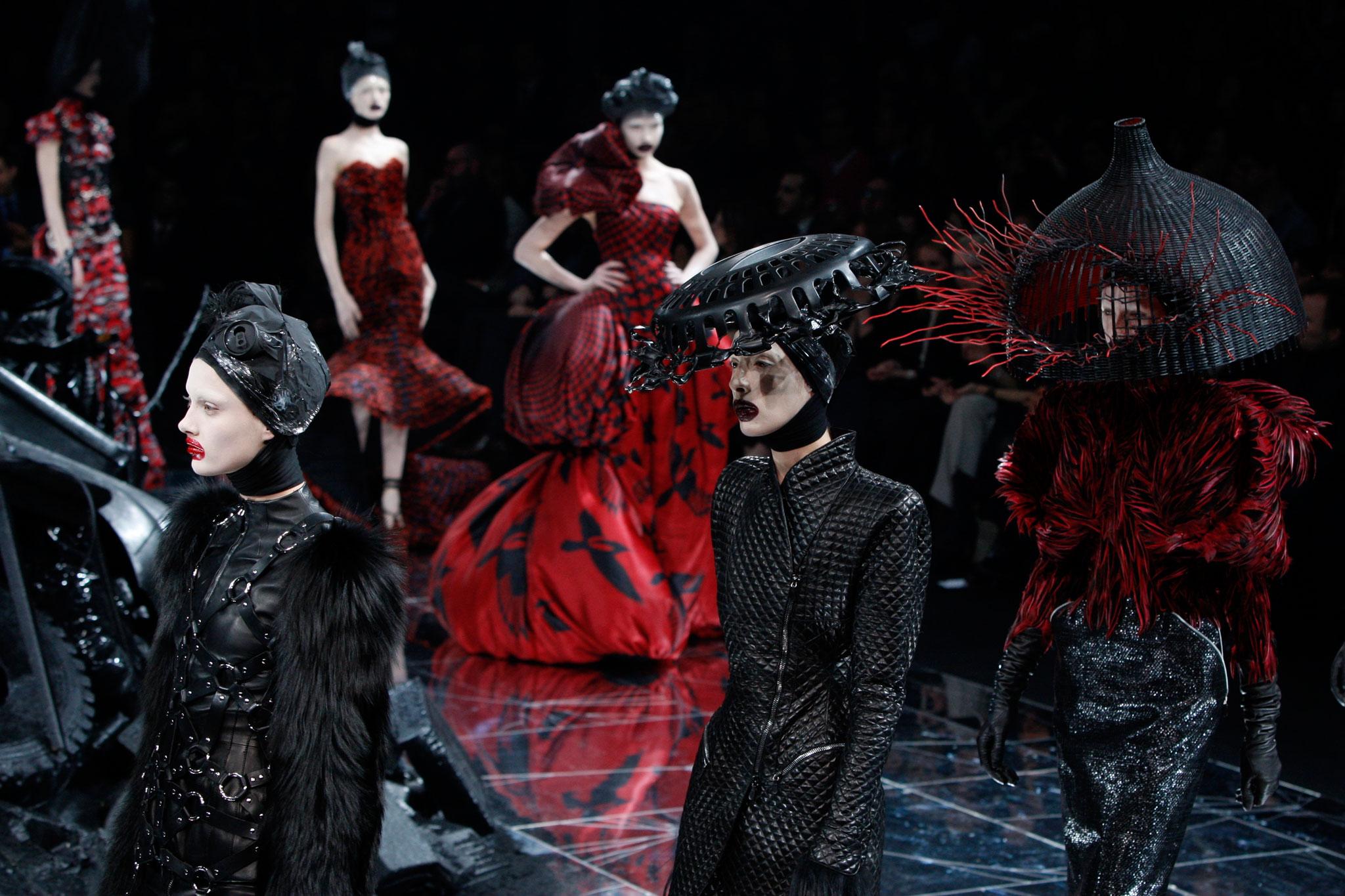 Download jojo fashion show world tour 12