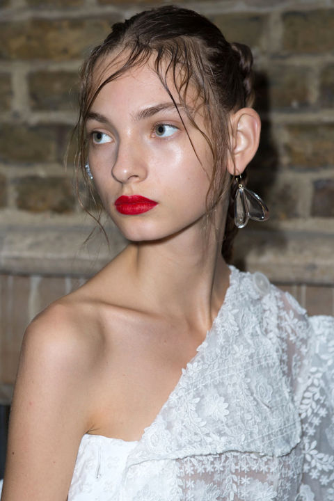 bold lip Simone Rocha