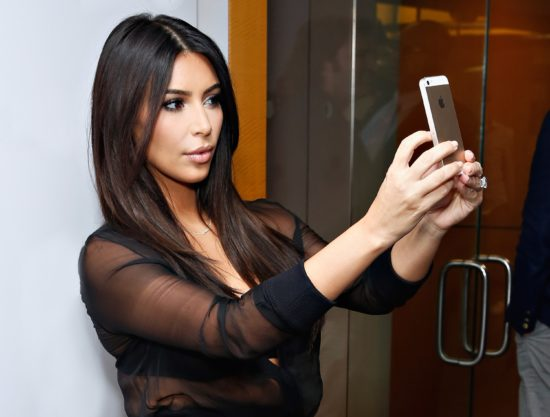 kim-kardashian-selfie