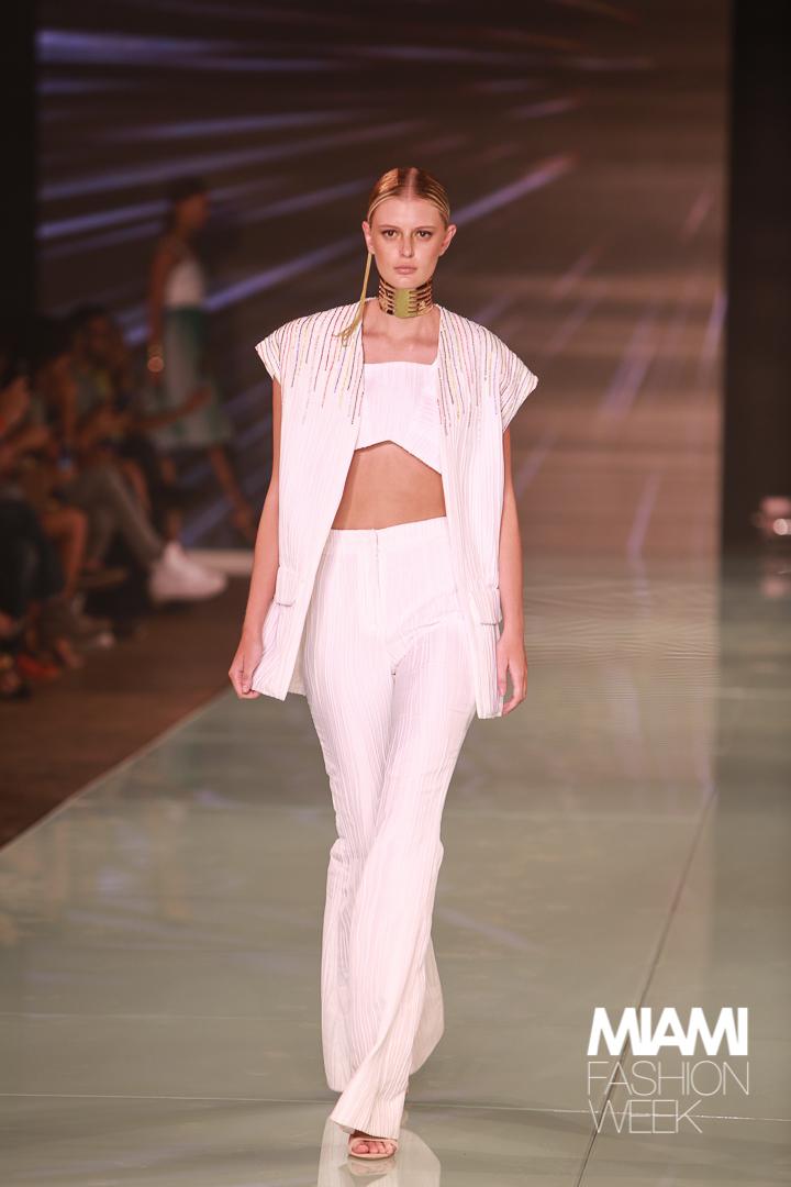 ALVARNO Fashion Show Credit: Jorge Parra Photography