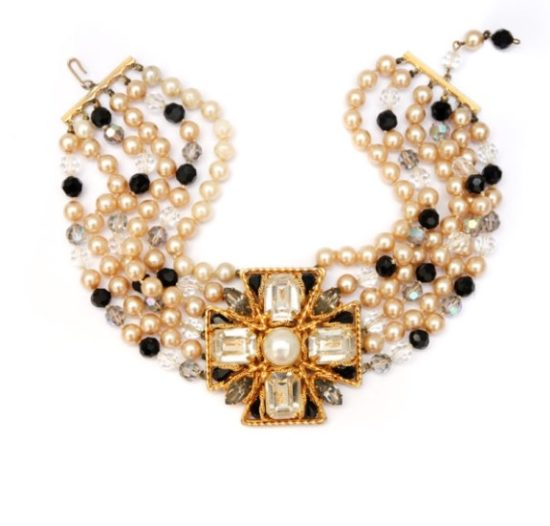 Vogue Pearl Chocker Necklace